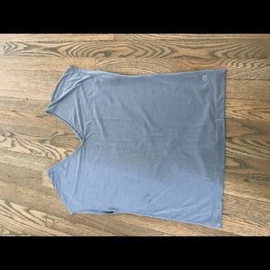 Gap fit sports T shirt